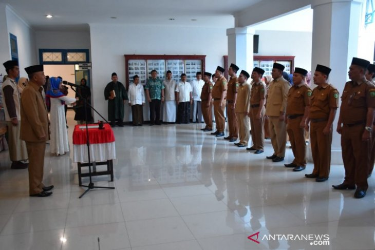 40 pejabat eselon III dan IV Pemkab Madina kembali dilantik