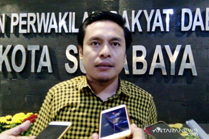 Pembangunan sekolah di Surabaya dinilai belum merata