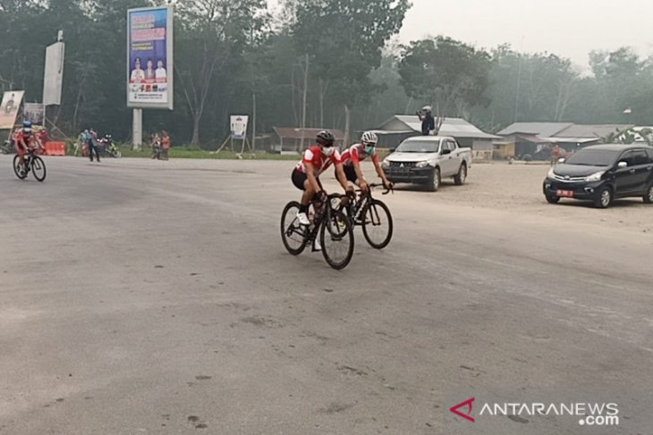 Forest fire smog plays spoilsport in TdSi race in Riau