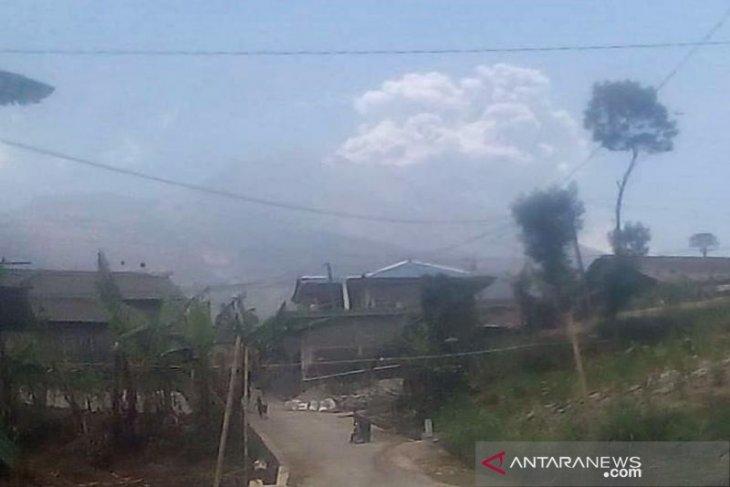 Warga Boyolali tidak terdampak hujan abu Merapi