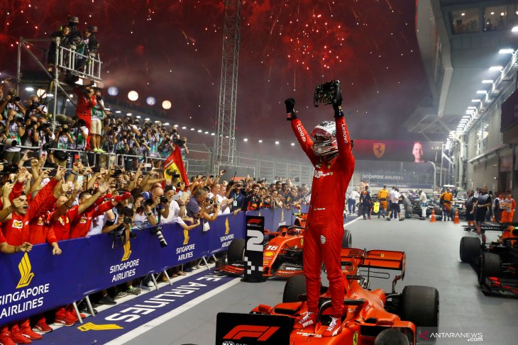 Vettel juarai GP Singapura untuk akhiri puasa kemenangan