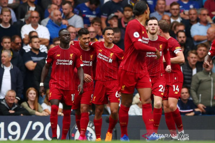 Liverpool kalahkan tuan rumah Chelsea 2-1