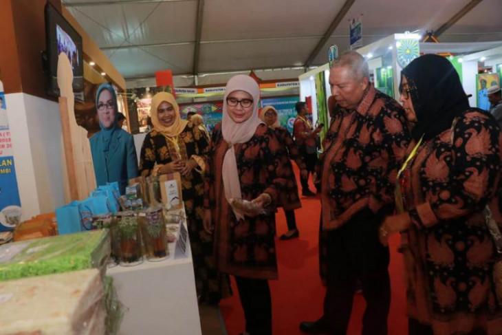 Bupati Tanjab Barat  hadiri Gelaran Teknologi Tepat Guna di Bengkulu