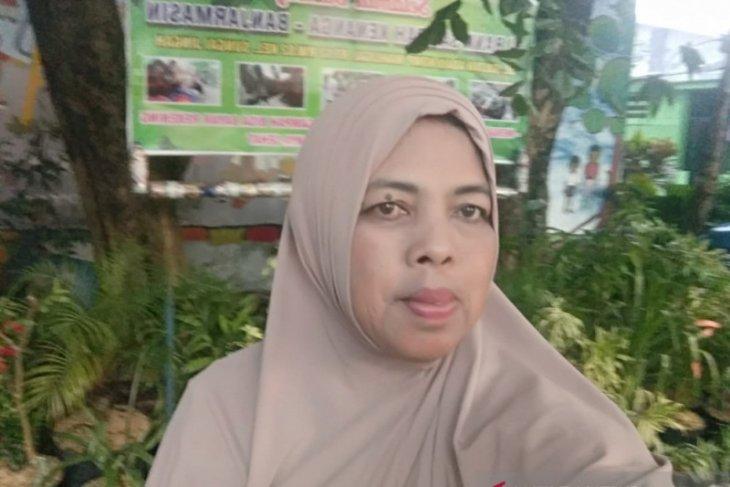 Fatmawati yang selalu bergelut dengan bank sampah