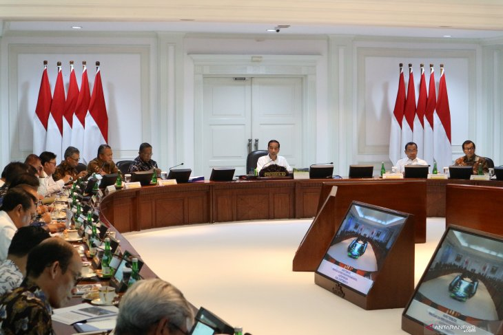 Tingkatkan investasi, Presiden bahas upaya penataan penanaman modal