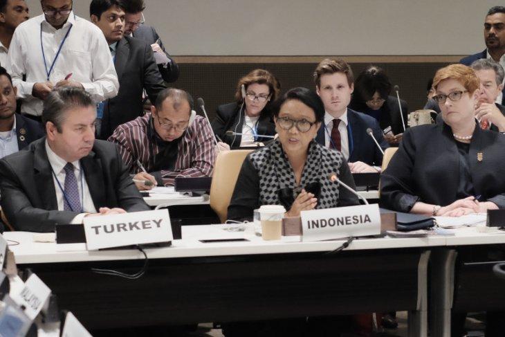 Resolve humanitarian crisis in Rakhine: Indonesian FM