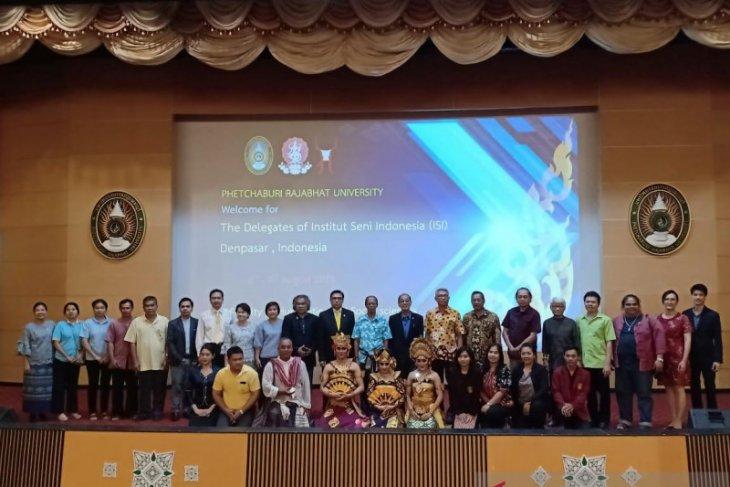 ISI Denpasar dan Petchaburi University Thailand mantapkan kerja sama