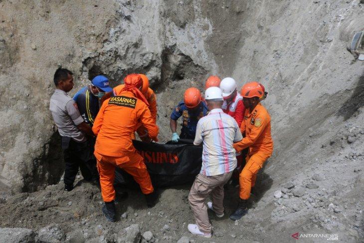 Don't believe quake, tsunami rumors, Maluku's residents urged