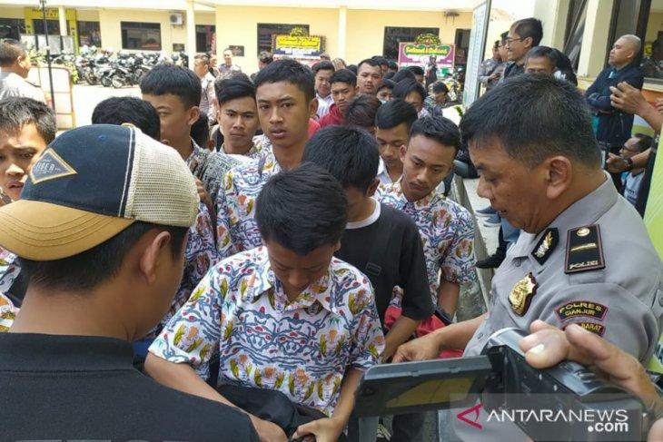 Mau demo ke Jakarta, ratusan siswa SMK diamankan polisi