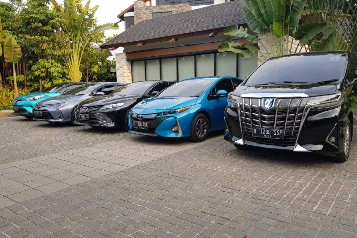 Pesanan Crown Hybrid-Toyota untuk mobil menteri bertambah 3 unit