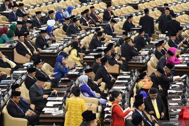 Warganet menaruh harapan besar kepada anggota DPR yang baru