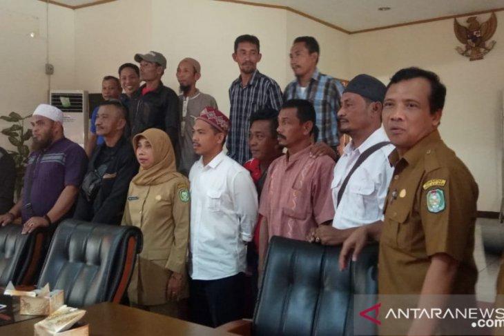 Nelayan Pantai Kijing tuntut ganti rugi dampak pembangunan Pelabuhan Internasional