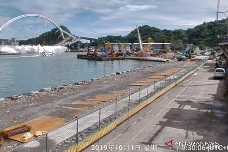 Tiga WNI meninggal akibat jembatan runtuh di Taiwan