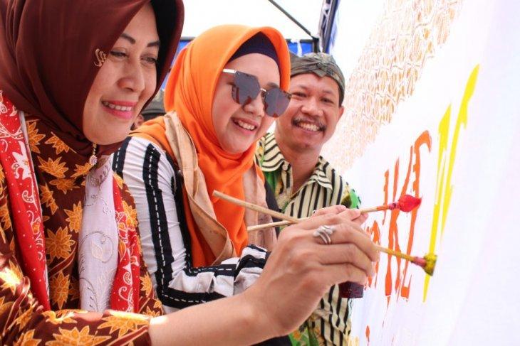 Peringatan Hari Batik, Pemkab Probolinggo bersama APBBA gelar