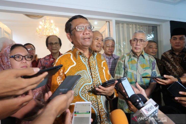 Bertemu Try Sutrisno, Mahfud MD membahas soal Papua