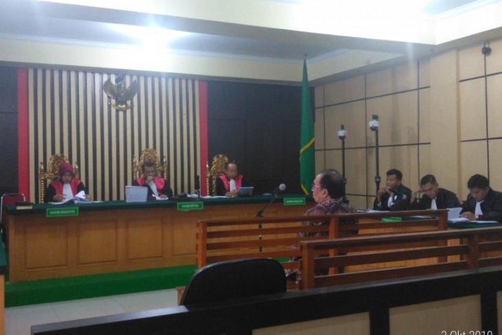 Seorang pengusaha Jambi disidangkan dalam kasus suap 'ketok palu'