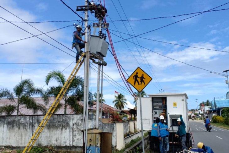 PLN UIW MMU beri kompensasi penyambungan listrik korban gempa