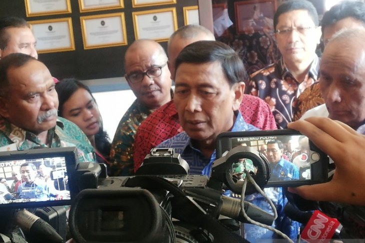 Wamena riot survivors are still traumatized: Wiranto