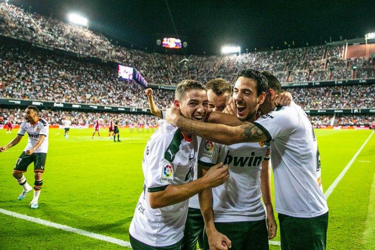 Klub Valencia konfirmasi lima orang positif virus corona
