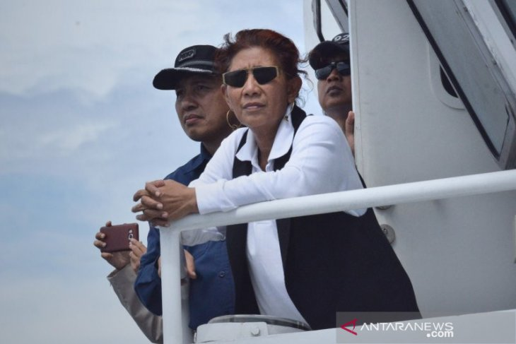 Susi Pudjiastuti pimpin penenggelaman 19 kapal asing di tiga kota