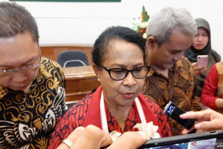 Menteri Yohana mengajak masyarakat buang budaya patriarki
