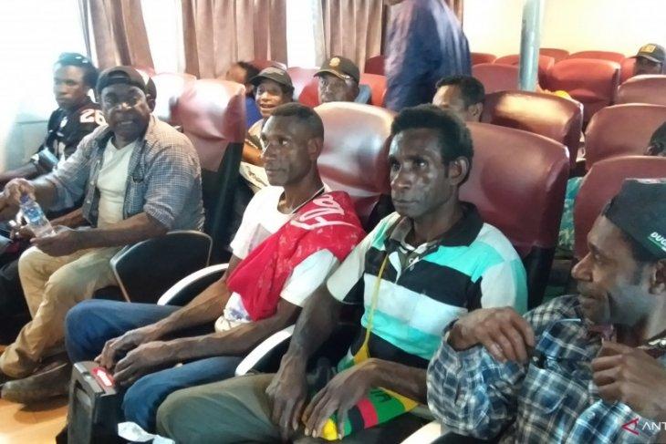 Kelompok pengelola wisata alam Mimika belajar di Raja Ampat