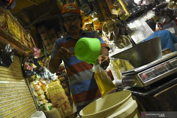 Larangan peredaran minyak goreng curah dinilai untungkan konsumen