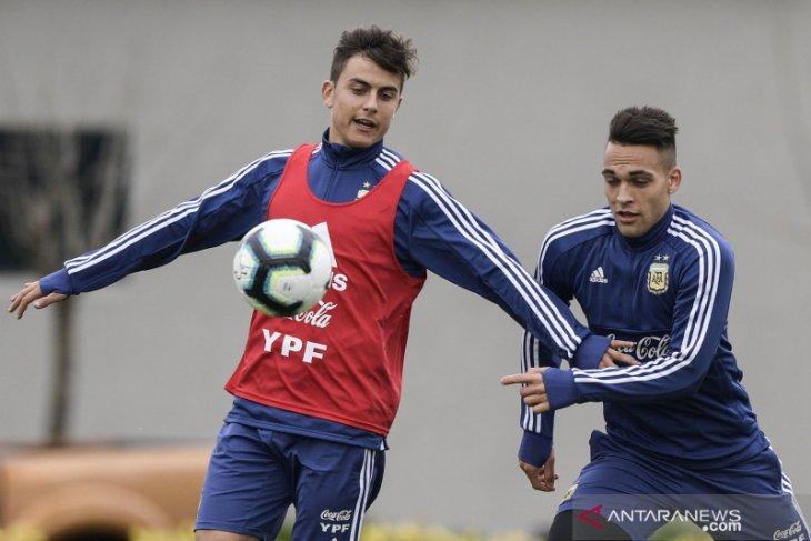 Dybala dan Martinez jadi pemain inti Argentina