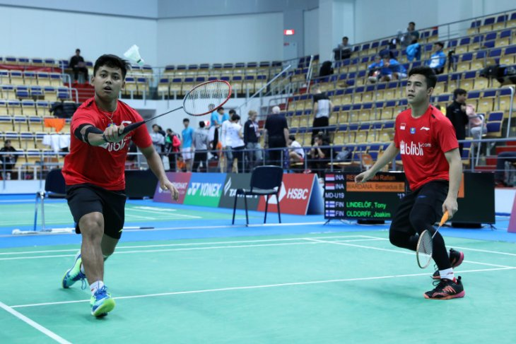 Kejuaraan dunia junior, dua ganda putra Indonesia lolos ke 16 besar