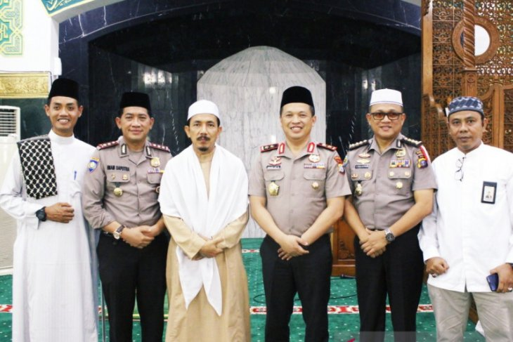 Densus 88 arrests five suspected terrorists in Riau