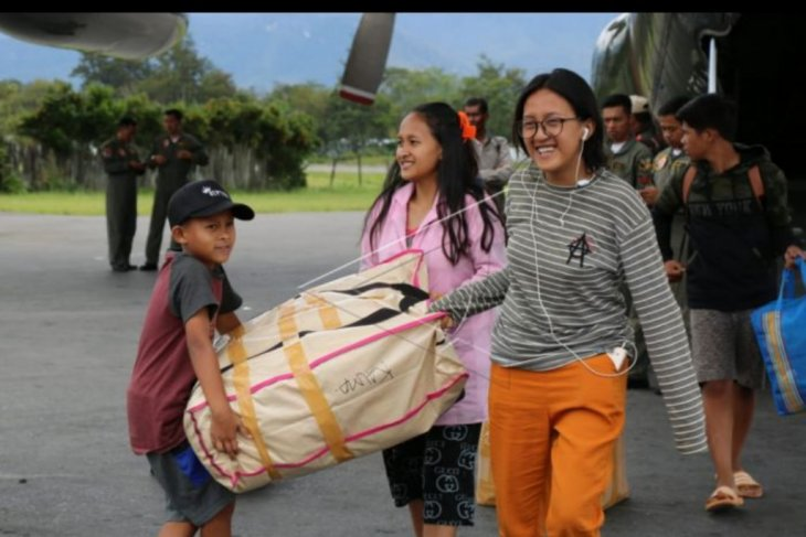 Pengungsi dari Jayapura tiba di Wamena