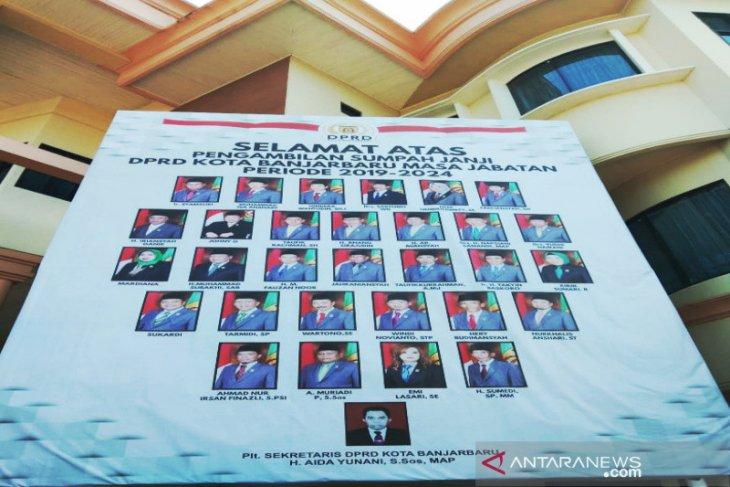 30 anggota DPRD Kota Banjarbaru 2019-2024 dilantik