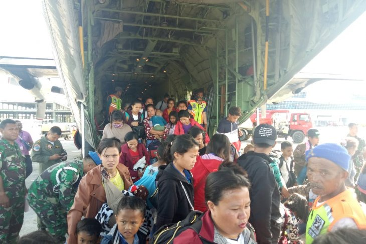 Military, Police Chiefs to meet displaced people in Timika, Papua