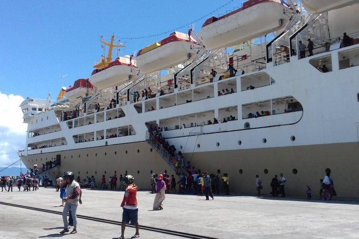 Puluhan pengungsi  asal Malut di Wamena pulang ke Ternate