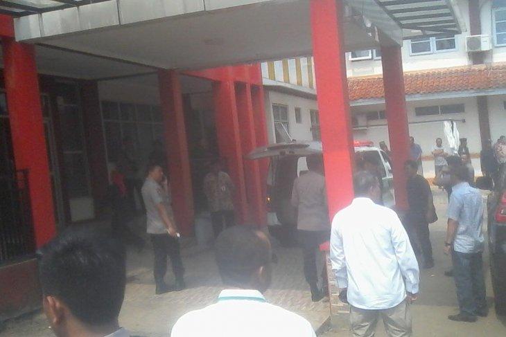 Menkopolhukam Wiranto dievakuasi ke Jakarta pakai heli