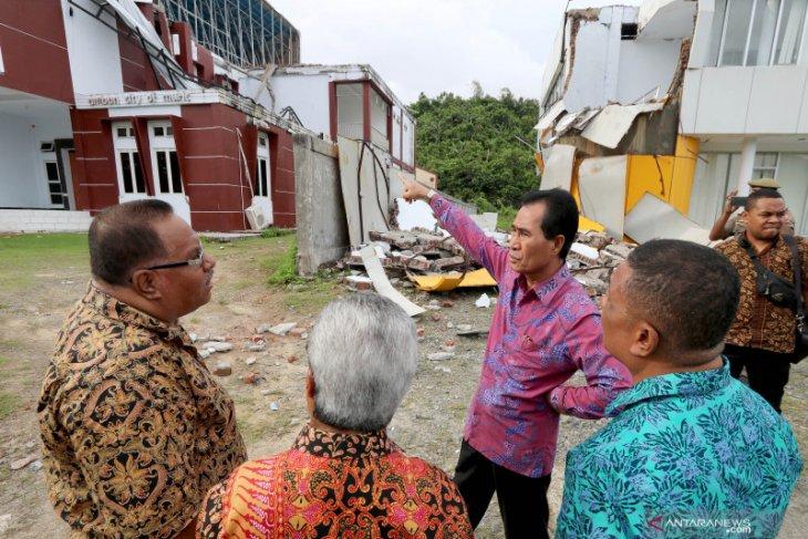 Pemkot Ambon data korban gempa 52 SR