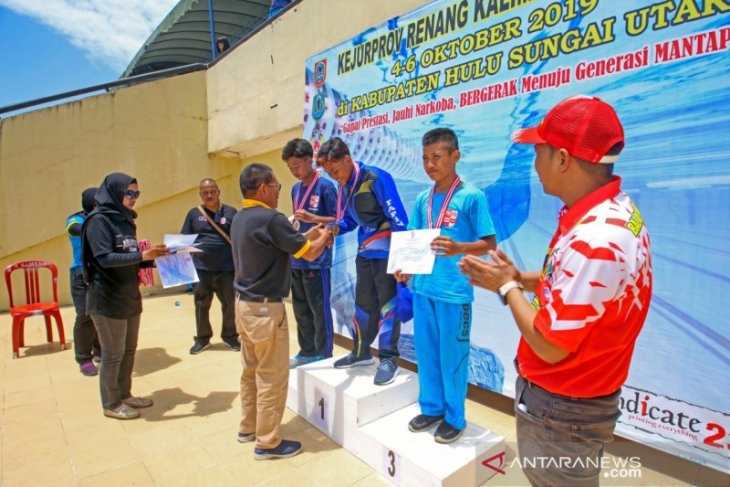 Atlit renang Tapin Boyong 11 mendali pada Kejurprov Kalsel