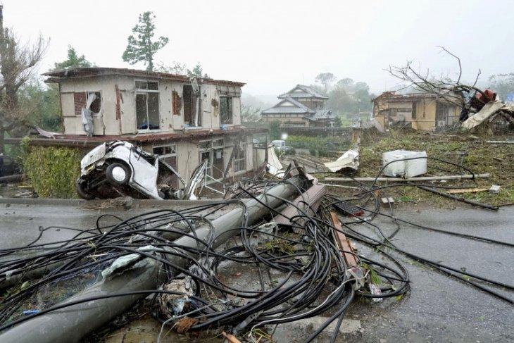 Topan Hagibis di Jepang mengakibatkan 10 orang tewas, belasan hilang