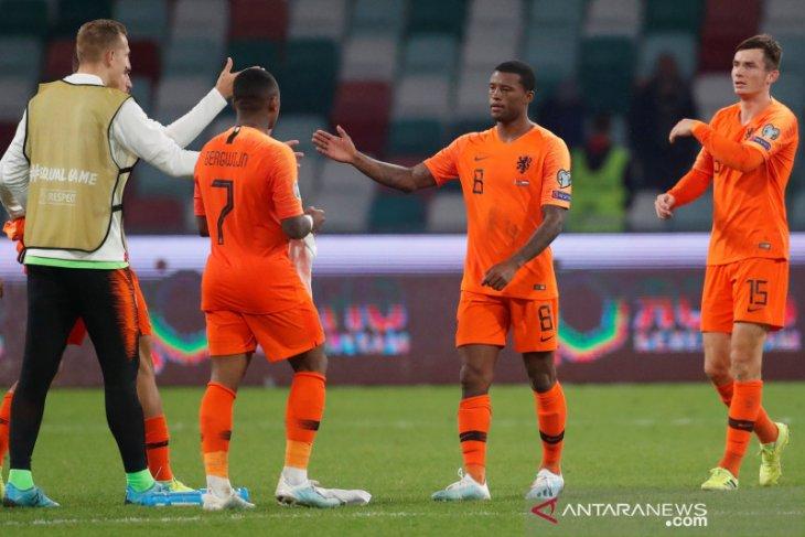 Belanda pesta lima gol