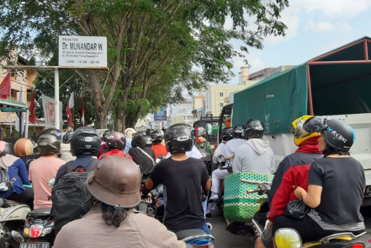 Kota Pontianak macet dampak penutupan Jembatan Kapuas II