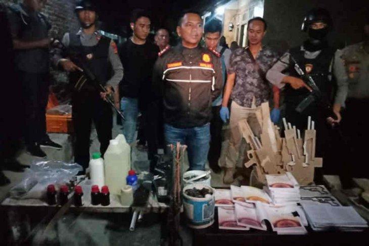 Two terror suspects arrested in Cirebon