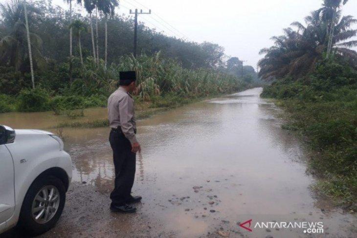 Lima desa di Mandailing terendam banjir