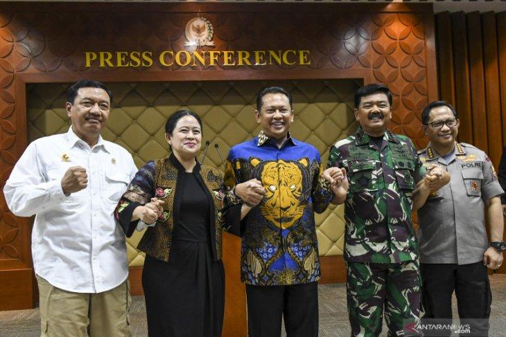 TNI-Polri mulai mempertebal pengamanan bandara, PLN, Pertamina dan pusat perekonomian