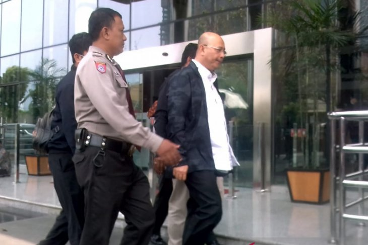 KPK amankan Wali Kota Medan Tengku Dzulmi Eldin saat jalani fisioterapi