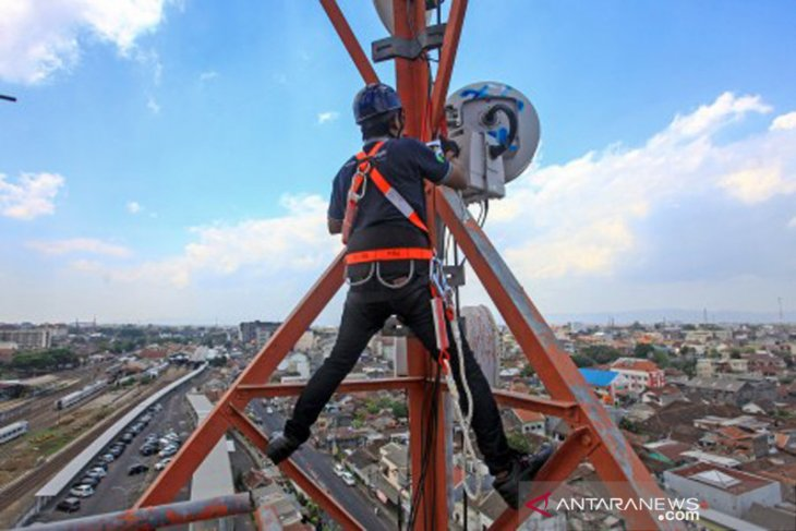 Telkomsel mengupayakan pemulihan jaringan di NTT