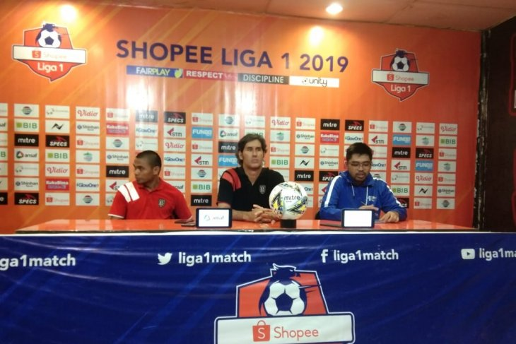 Pelatih Bali United Stefano Cugurra angkat suara