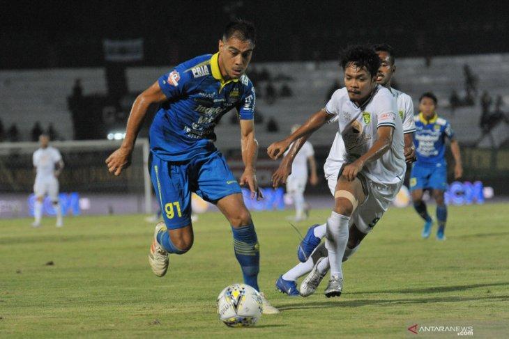 Omid Nazari pamitan dari Persib Bandung