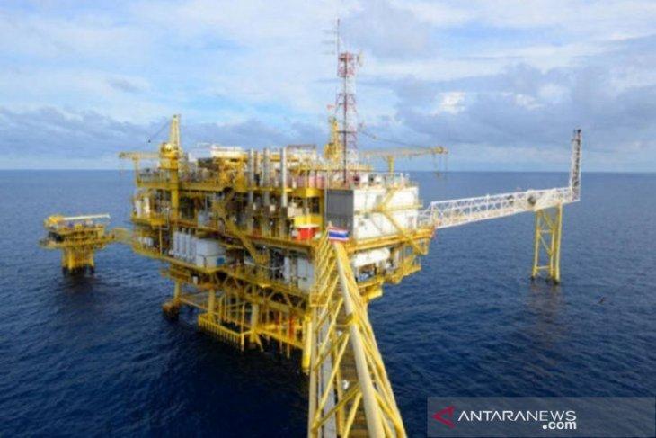Harga minyak melonjak lagi, ditopang harapan pemotongan produksi