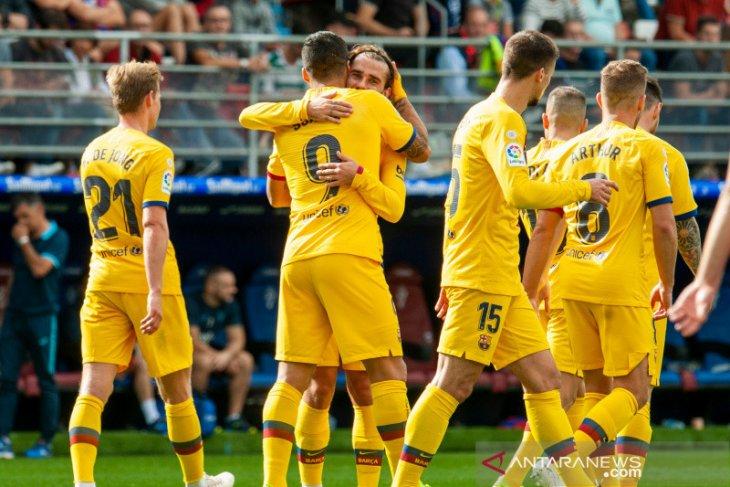 Liga Spanyol Barcelona di puncak Real Madrid terpeleset