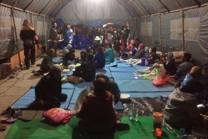 Akibat angin kencang, satu orang tewas dan seribuan warga Kota Batu mengungsi
